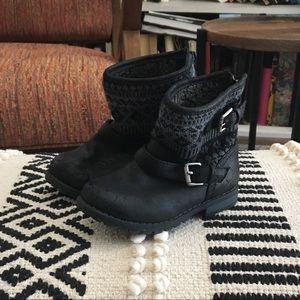 Harper Canyon Black Boots